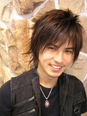 mens hairstyles emo. really short emo hairstyles