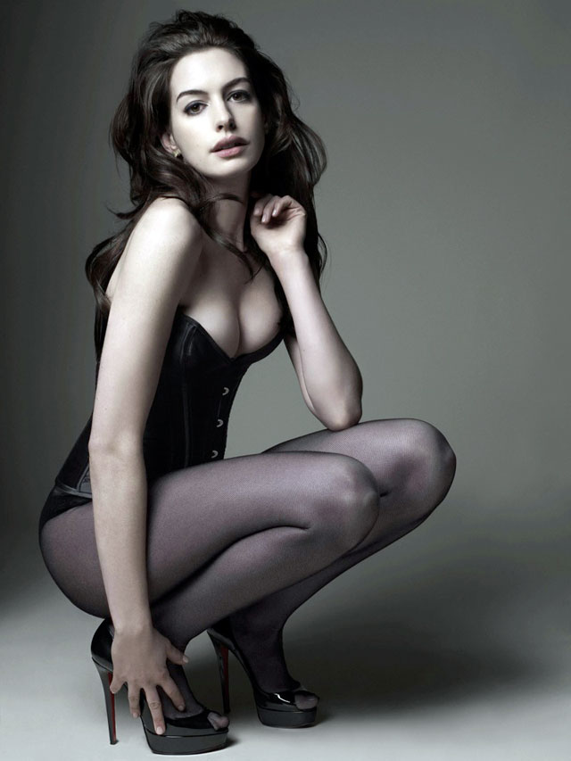 pics of anne hathaway as catwoman. Anne Hathaway at Catwoman