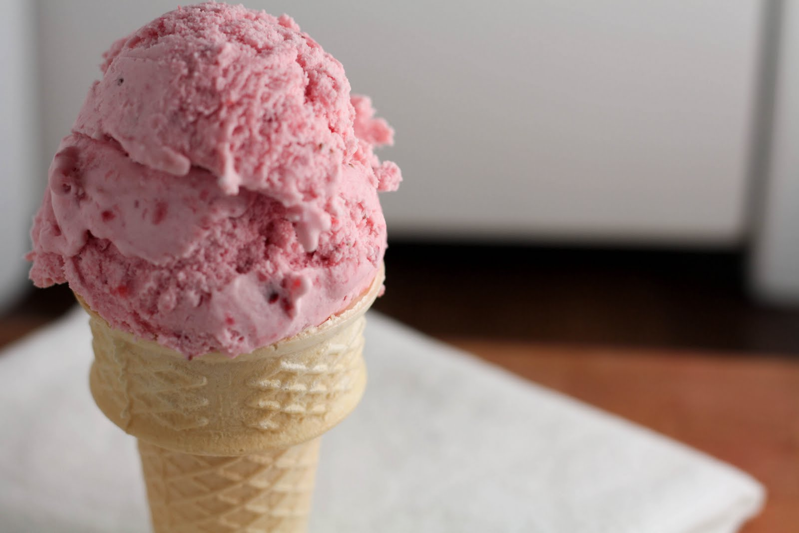 the passionfruit*: signs of spring: strawberry sour cream ice cream