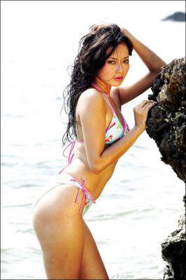 Altar NC321 - SKANDAL: Adjeng Inez Nugroho Sexy Bikini