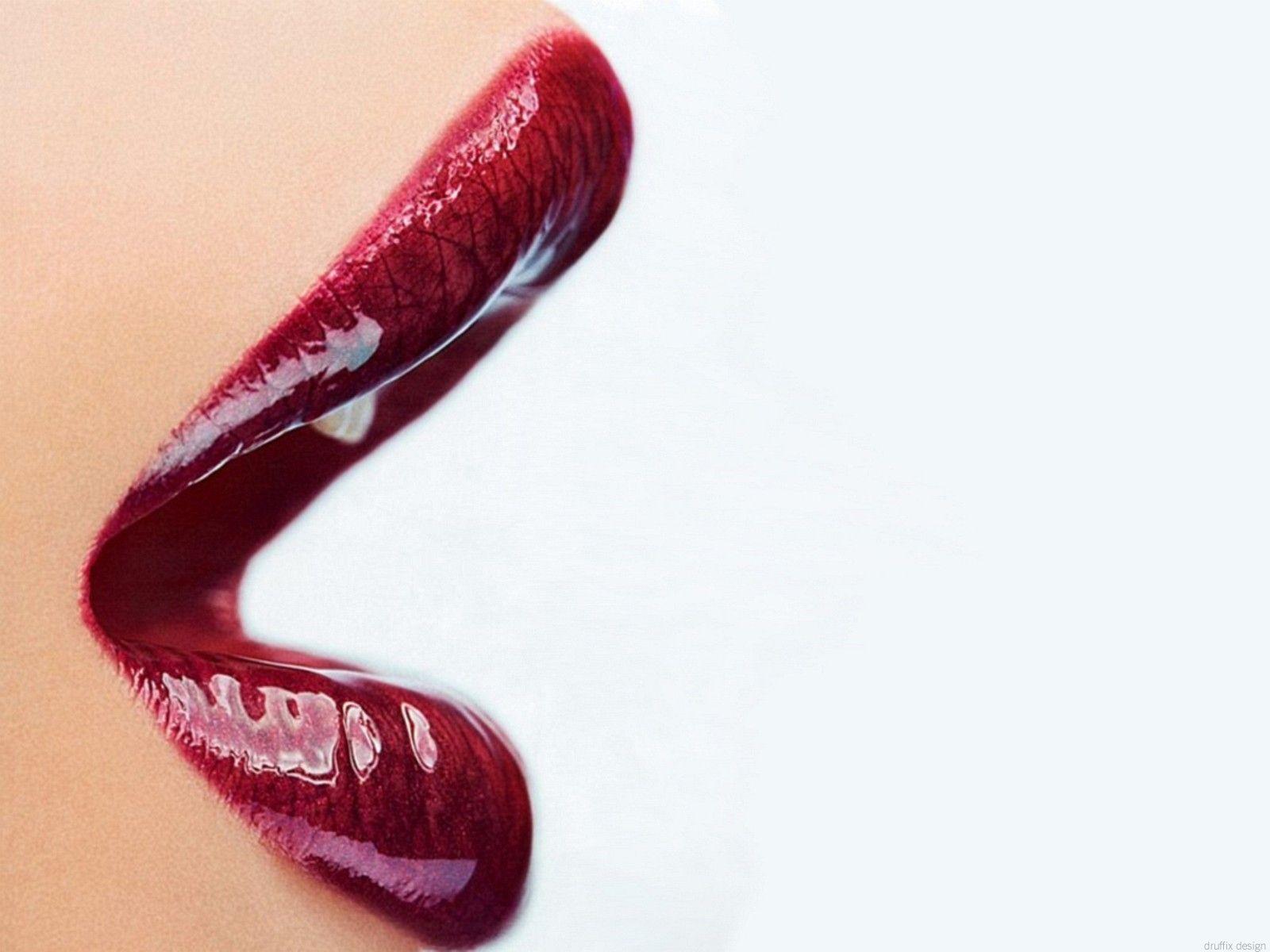http://3.bp.blogspot.com/_ea0dI5k-rv0/TRPRSfPgTpI/AAAAAAAAA_4/9zOZLxIl_sI/s1600/Woman-Glossy-Red-Lips-1-1152x864.jpg