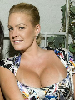 Christie Prody cleavage