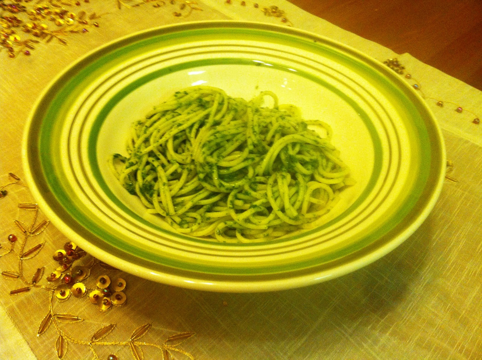 Garlicky Good (and other flavors too): Hearty Greens Pesto