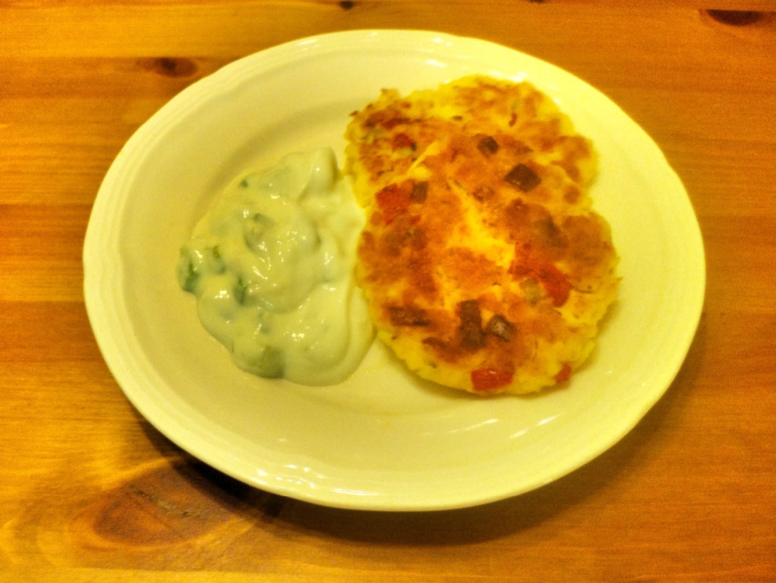Garlicky good and other flavors too tilapia fish cakes for Yogurt sauce for fish