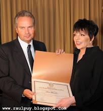 Liza Minelli, Huésped de Honor