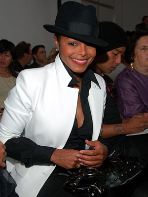 Janet Jackson To Headline Essence Music Festival!!!