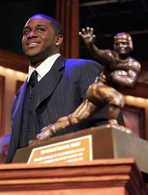 "USC Is ""Sending Back"" Reggie Bush's Heisman Trophy!"