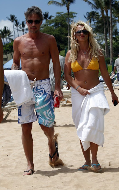 Britney Spears Shows Off Bikini Bod With Jason Trawick