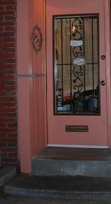 Mew Gallery, Philadelphia Store Front