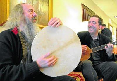 Xavier Díaz-Latorre y Pedro Estevan en Sevilla, momentos antes de su concierto