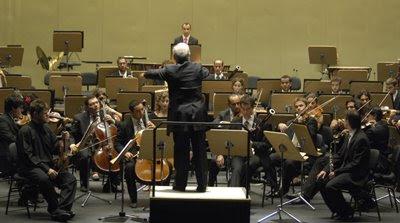 La Orquesta West-Eastern Diwan con Daniel Barenboim en el Teatro de la Maestranza de Sevilla el 6 de agosto de 2008 (© Manuel Gómez / Diario de Sevilla)