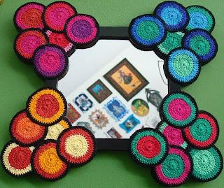 espelho com decoração de croché
