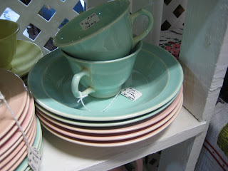 LuRay introduced in the 1930\u0027s by Taylor Smith and Taylor is a popular kitchen collectible for pastel lovers. & C. Dianne Zweig - Kitsch \u0027n Stuff: Hooray For LuRay Pastel ...