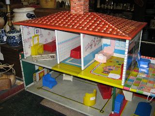 C Dianne Zweig Kitsch N Stuff Collecting Vintage Litho Tin Doll Houses