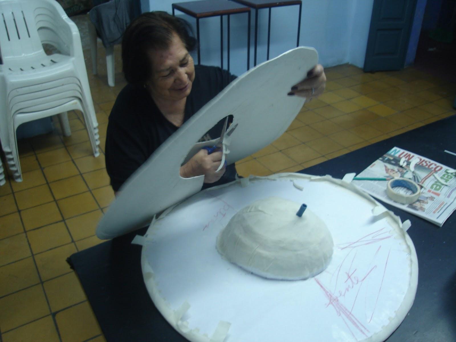 proceso de formación del sombrero de la Catrina Centenaria