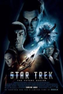 """Star Trek 2009 11º filme da franquia """"Jornada nas Estrelas"""". Segundo especulações, a história se passa bem antes da tripulação do Capitão Kirk assumir o comando da Enterprise. A trama é situada 160 anos antes do nascimento do personagem imortalizado por William Shatner."""