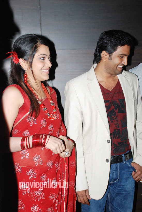 ... ramya vijay tv anchor photos, vijay tv vj ramya hot stills, vijay tv