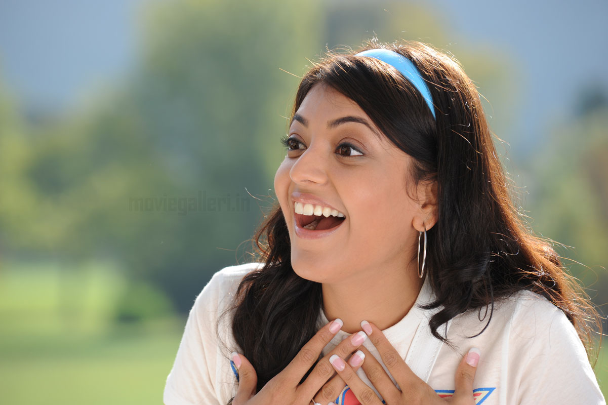 kajal agarwal wallpapers in darling, darling movie kajal hq