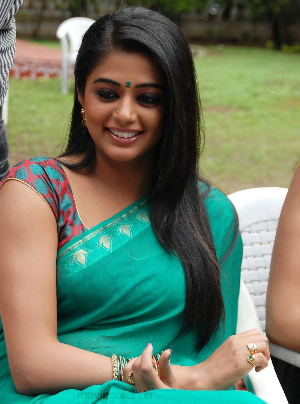 Saree Stills Priyamani Hot Pictures