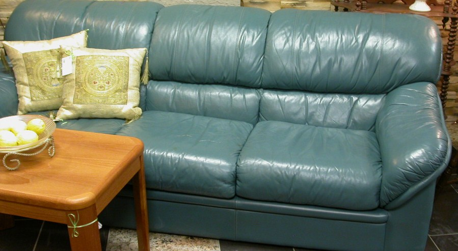 Desk walnut w glass chaise 54 x32 mahogany chair jaymar for Teal leather couch
