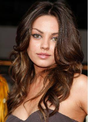 curly hairstyle for round face shape