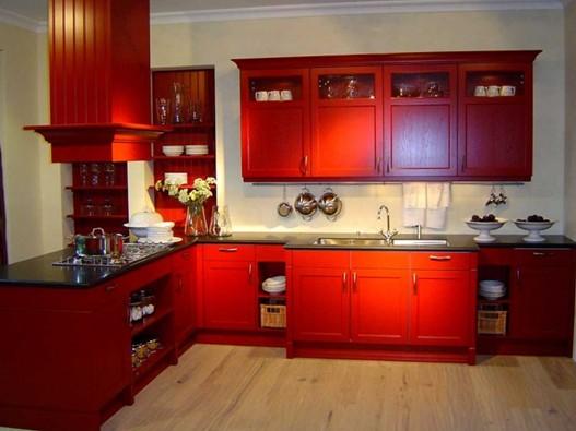 waaaahhh  menarik betuL kitchen cabinet dapur warne MERAH ni ~
