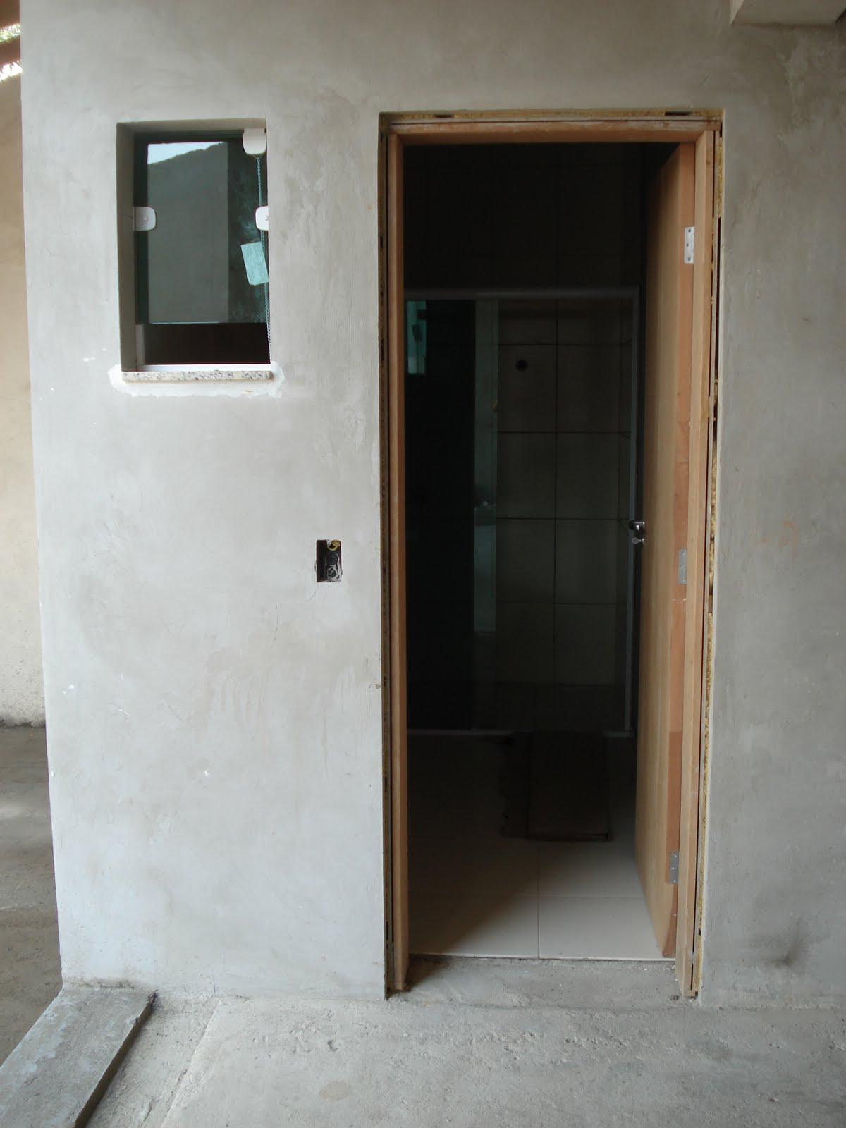 Nasce uma casa ***** O dia a dia de uma construção: Agosto 2010  #5F4B36 1200x1600 Banheiro Azulejo Pintado