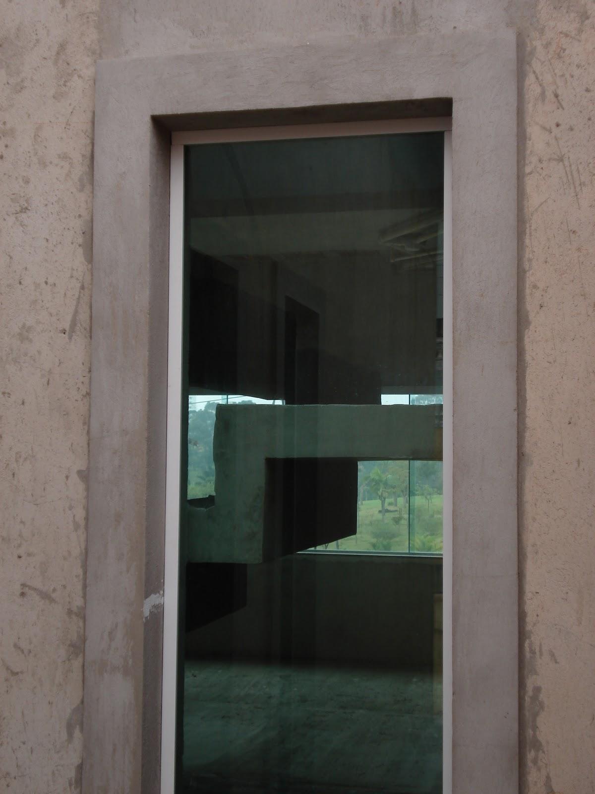 #507B7B Nasce uma casa ***** O dia a dia de uma construção: Olhando para  610 Janelas En Vidros