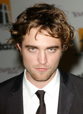 Robert Pattinson Never Showers and Stinks