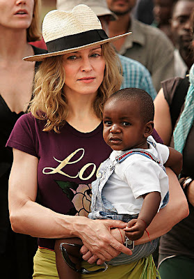Madonna's adoption plans delayed
