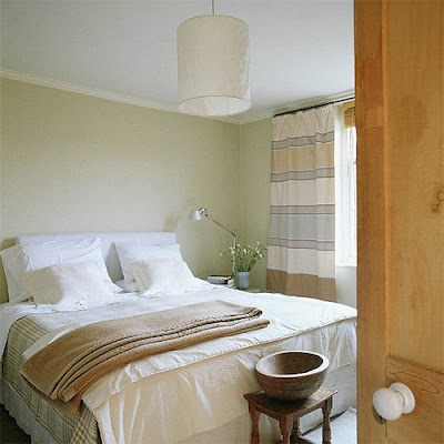 http://3.bp.blogspot.com/_et1byNF3Y70/SeQdaoOKBLI/AAAAAAAAAlg/LGQxpNUGE30/s400/Ideas+for+small+spaces-bedroom.jpg
