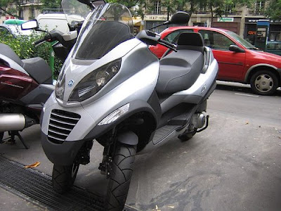 Piaggio MP3, scooter, motorcycle