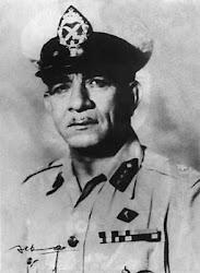 الرئيس محمد نجيب - افترى عليه الضباط الأشرار عام 1954 وسجنوه فى بيته 30 عاماً