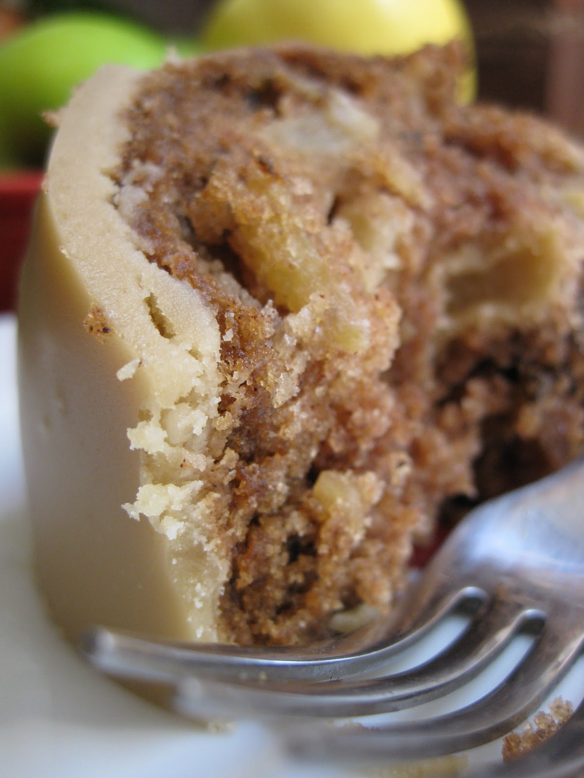 Sunday Treats: Apple Spice Cake