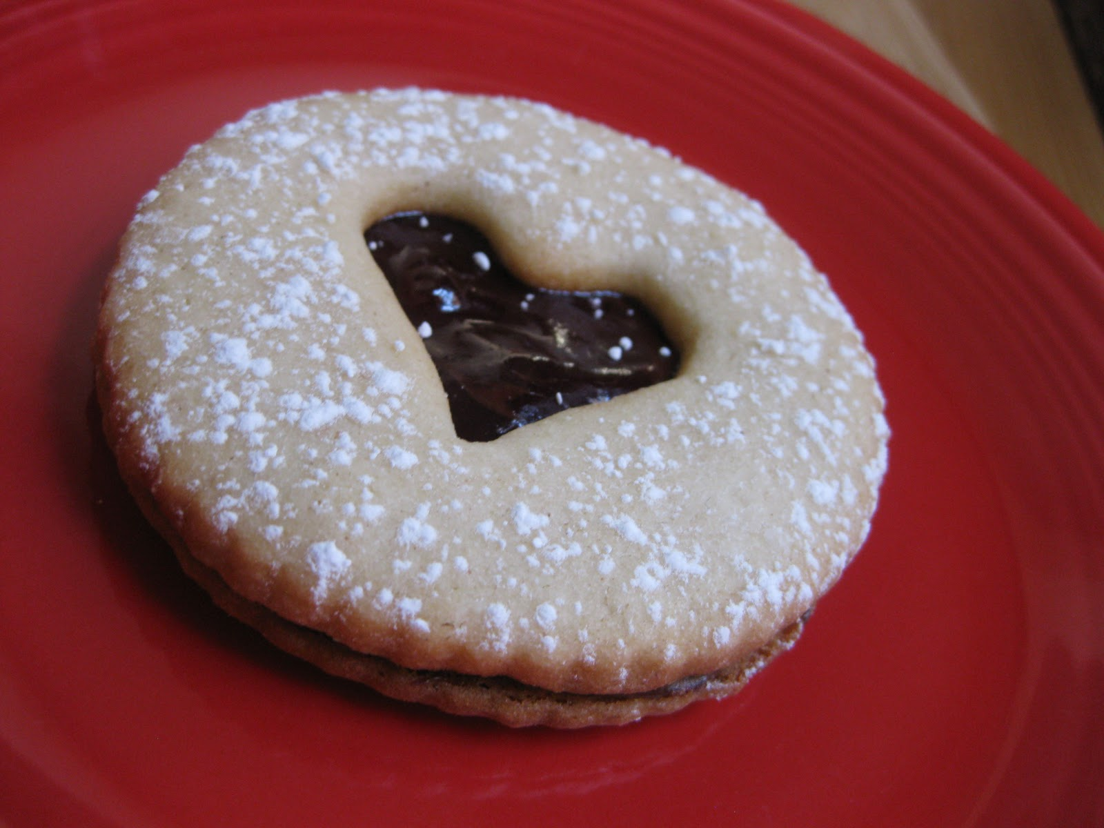 "Sunday Treats: ""Open Your Heart"" Linzer Cookies"