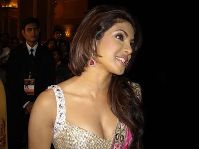 bollywood-film-movie-celebrity-indian-desi-actress-priyanka-chopra