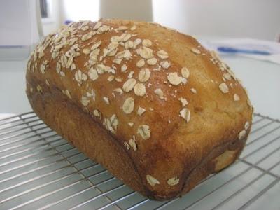 pepsakoy: Buttermilk Oatmeal Bread