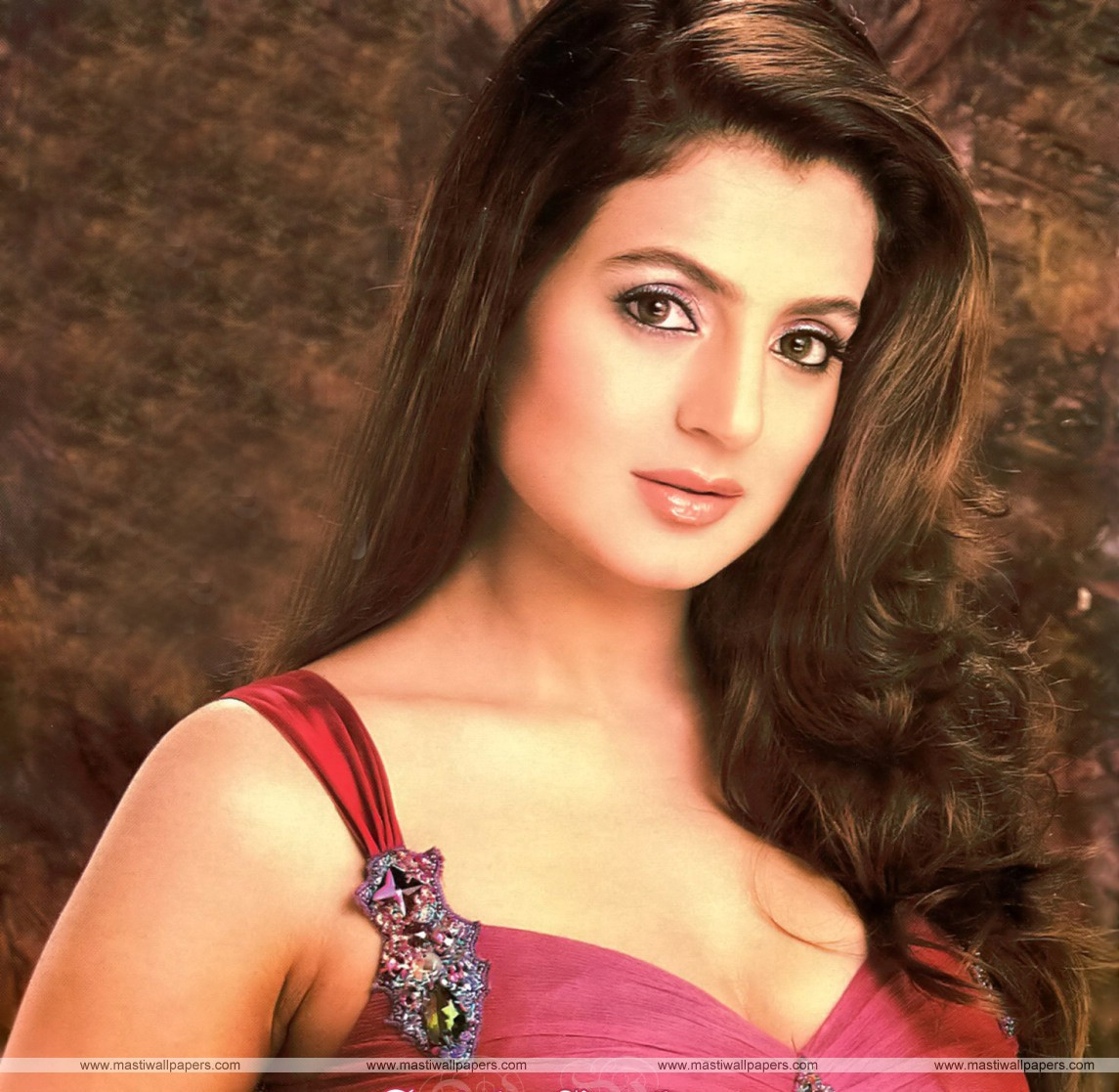 hot-celebs-wallpapers: amisha patel 3