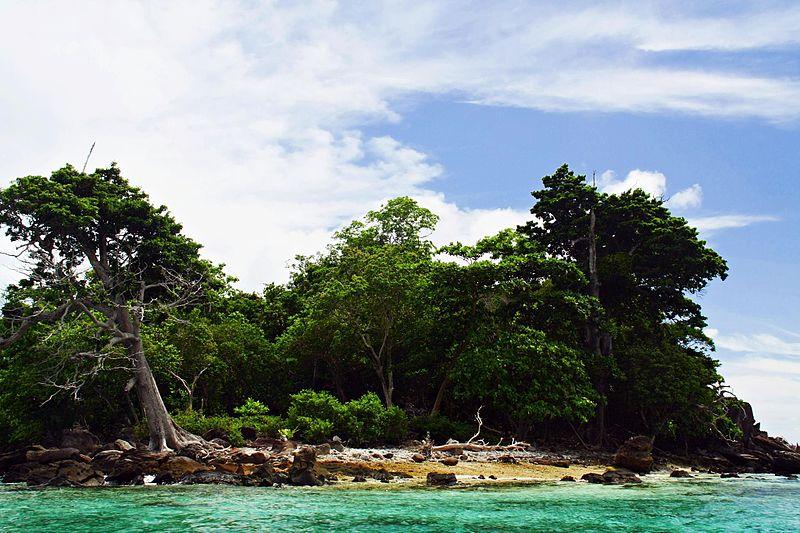 http://3.bp.blogspot.com/_euWi6duwK0w/TLCIrUbn1YI/AAAAAAAAAQg/yshxqRh2Ipg/s1600/800px-Rubiah_Island_Aceh.jpg