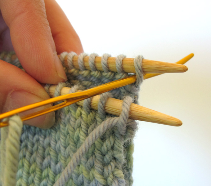 Kitchener Stitch Using Knitting Needle : Nelkin Designs Blog: The Zen of Kitchener Stitch!