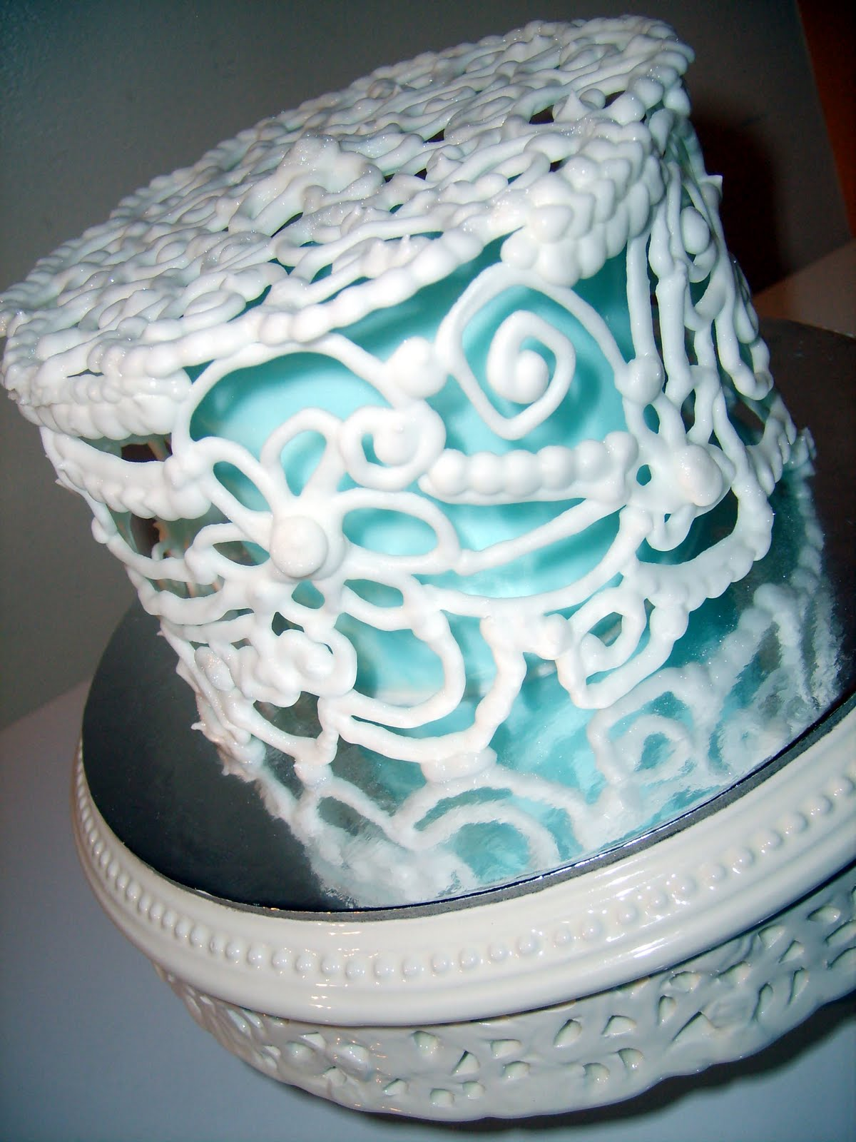 Caketopia: Royal Icing Caged Cake
