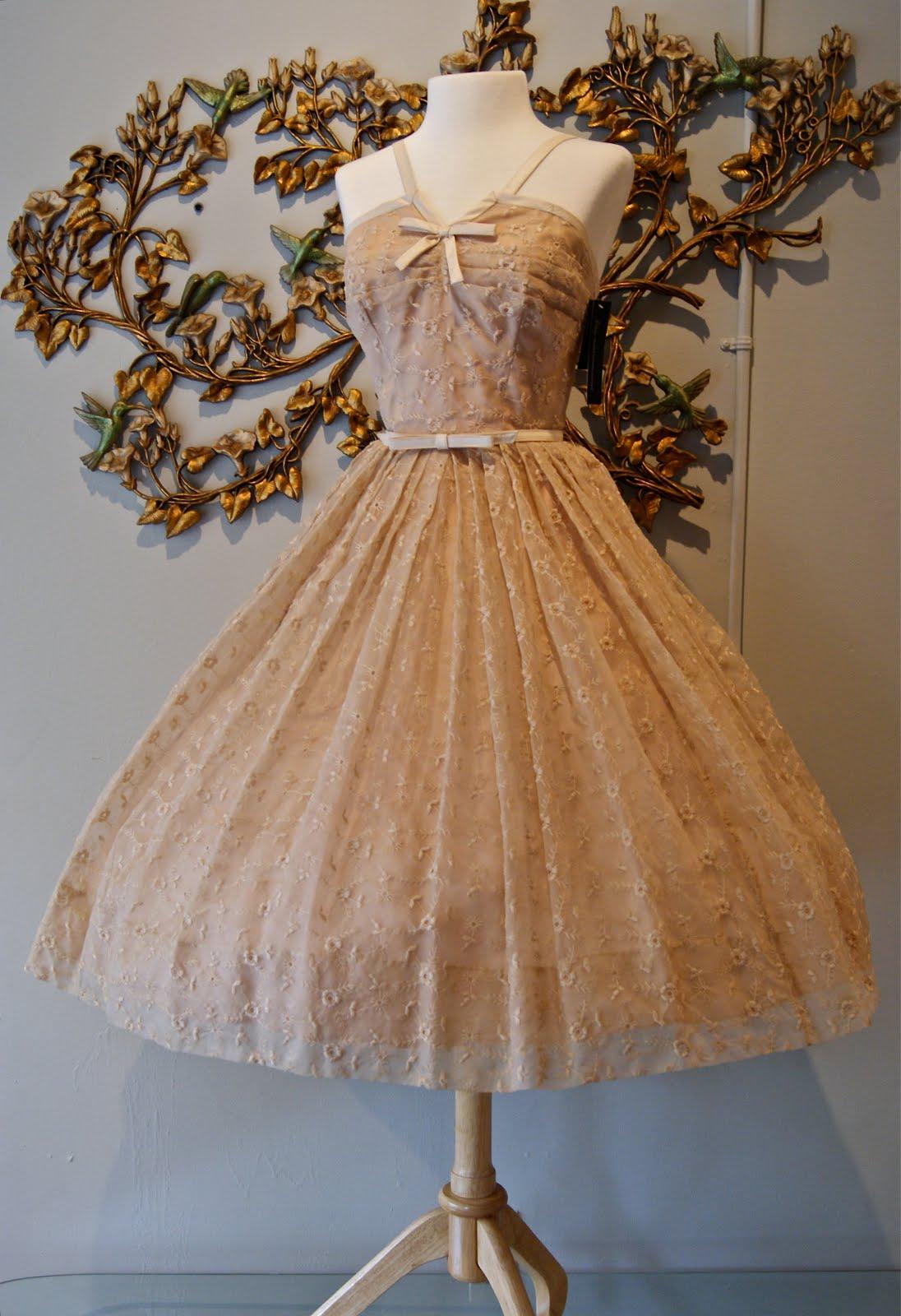 Vintage Wedding Dresses Bath : Vintage wedding dresses in paris france oops i meant portland