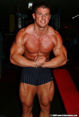 Jiri Borkovec muscle http://www.never2big.com/2009/07/jiri-borkovec-chest-workout.html