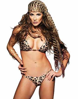 Deborah Secco sensual