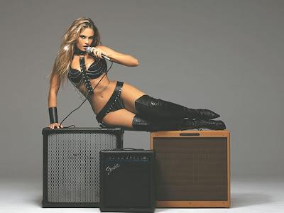Ellen Rocche sensual