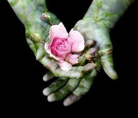 """""""Todos querem o perfume das flores, mas poucos sujam as suas mãos para cultivá-las""""."""