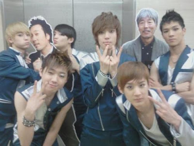Teen Top Claps on Music Bank Teentop