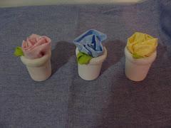 Mini vasos de rosas