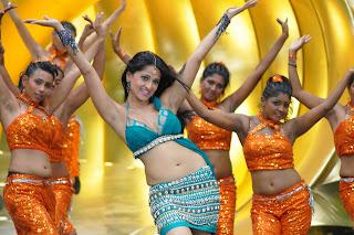 Anushka Shetty Beautiful CHoli Collection from movie Vettikaran