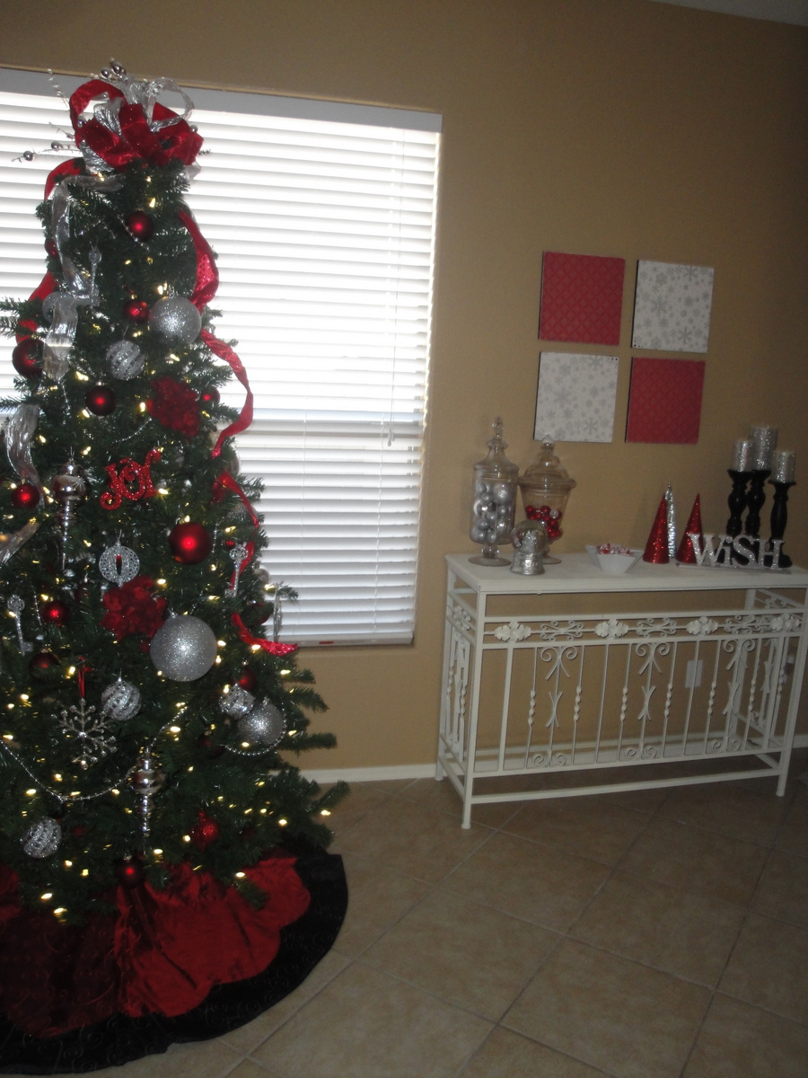 Christmas decor red and silver i heart nap time for Christmas tree with red and silver decorations